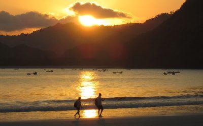 Surfing Pantai Selong Blanak Lombok